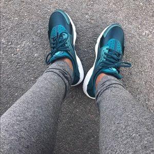 Women's Nike Air Huaraches in teal